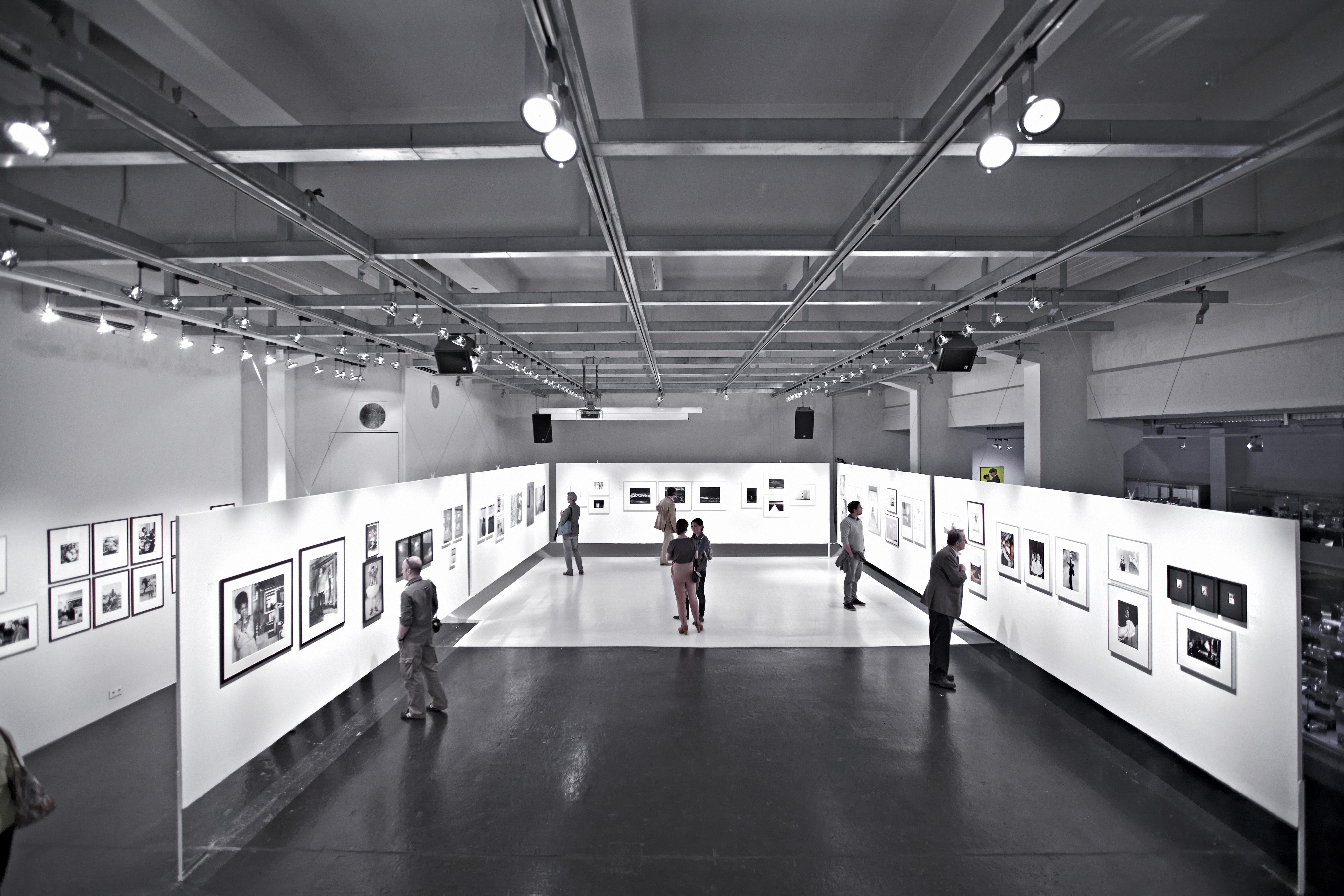 Westlicht Galerie Hauptraum 3to2.jpeg
