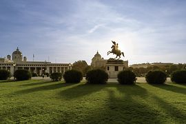 Heldenplatz, shot of the equestrian statue of Archduke Charles