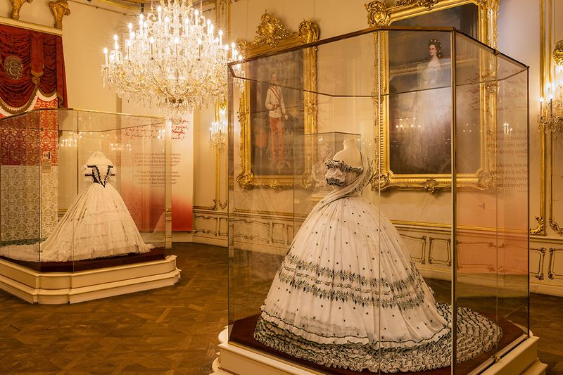 Replica of the dress worn by Empress Elisabeth on the evening before her wedding, on display in the Sisi Museum in Vienna