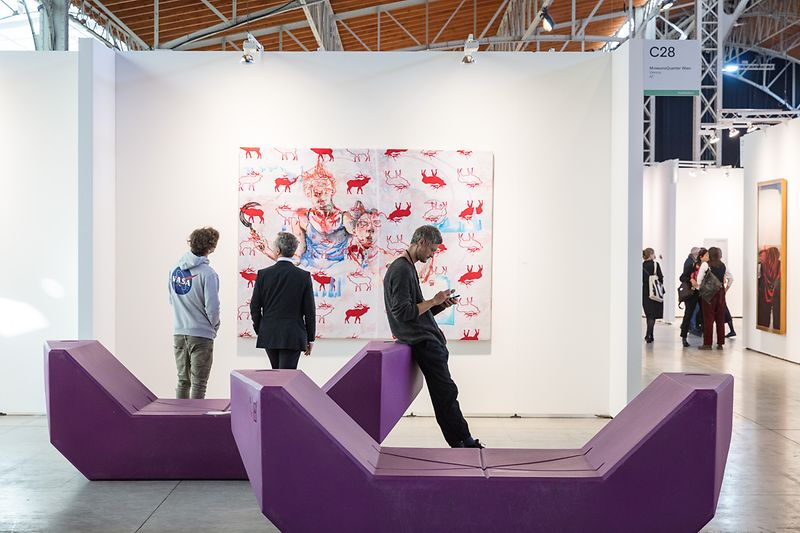 viennacontemporary, Marx Halle, interior shot: violet Enzis and visitors